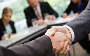 FreeGreatPicture.com-26261-cooperation-handshake4-800x500
